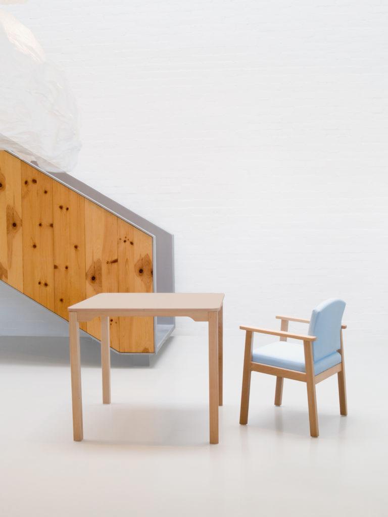 Sillones ergonómicos para residencias y geriátricos.