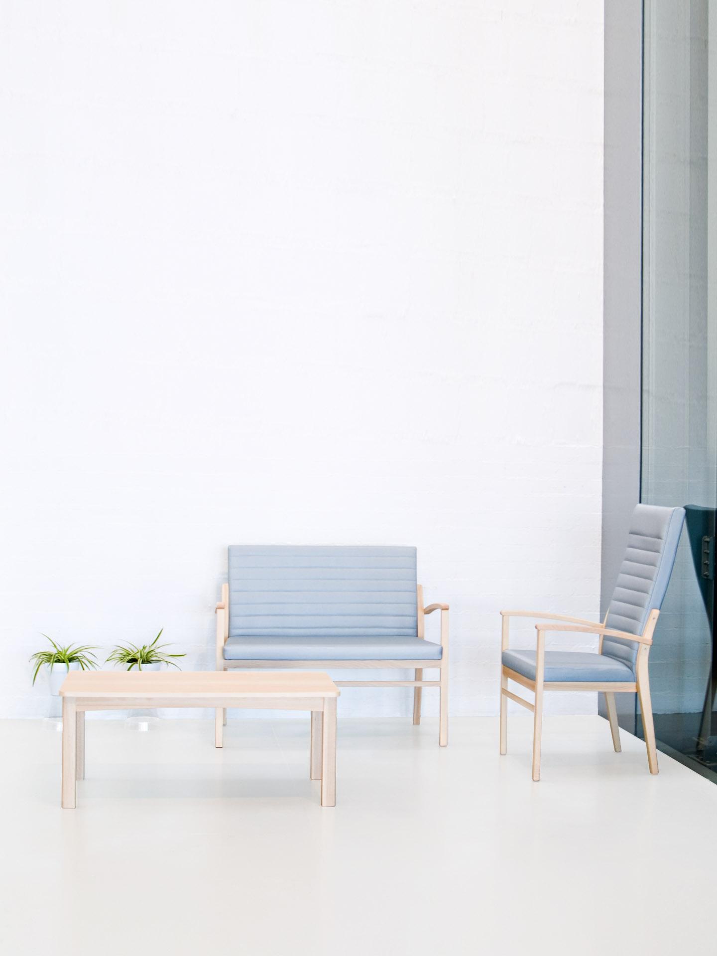Mesita sala de espera de diseño sencillo de la colección ERIC