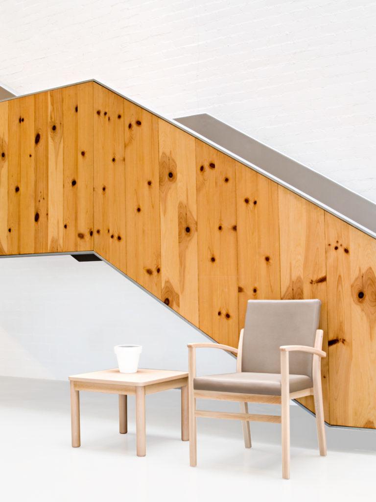 Colección ARIS, mobiliario para residencias de mayores de diseño nórdico.