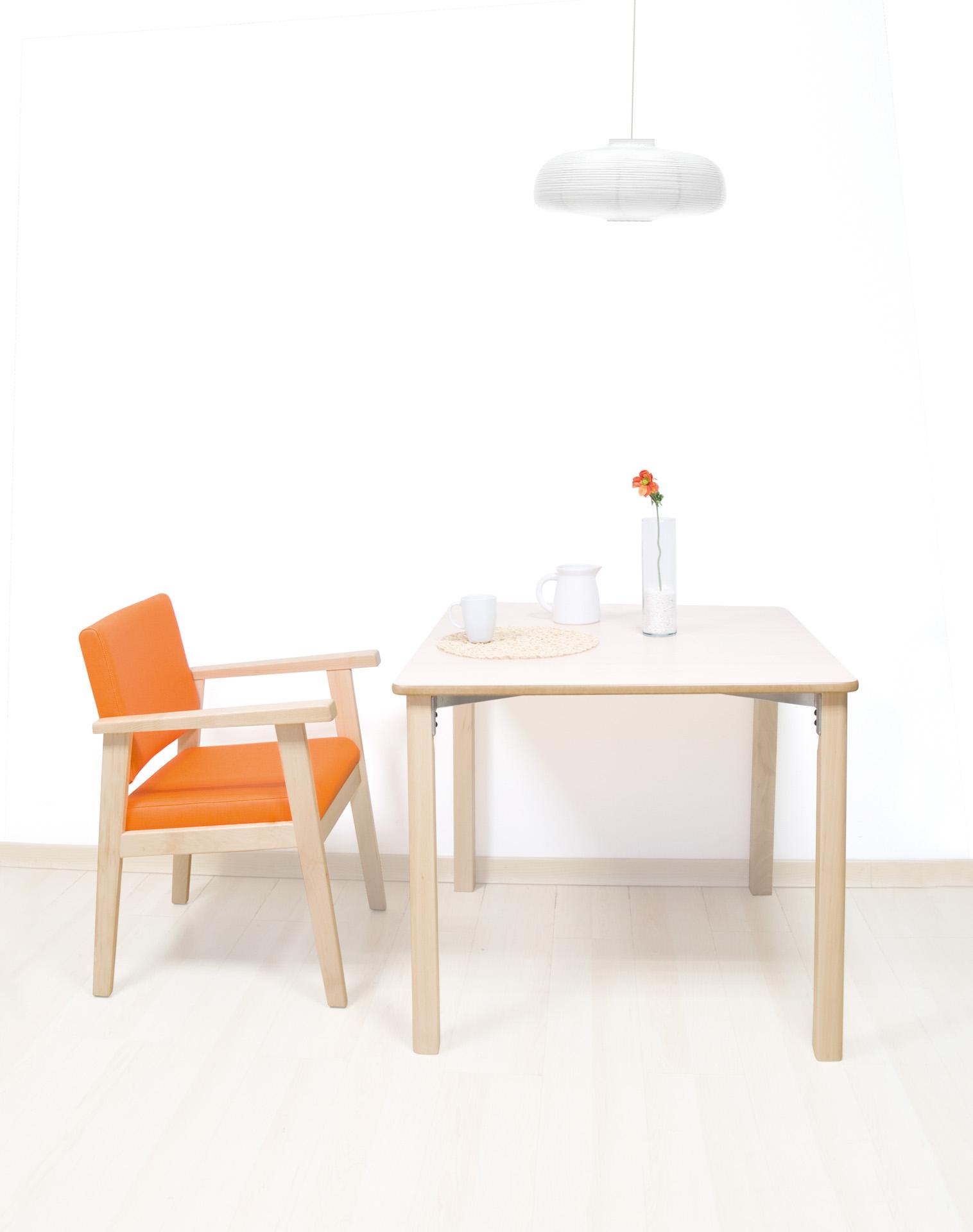 Mesas y mobiliario de instalación geriátrica de SENIORCARE