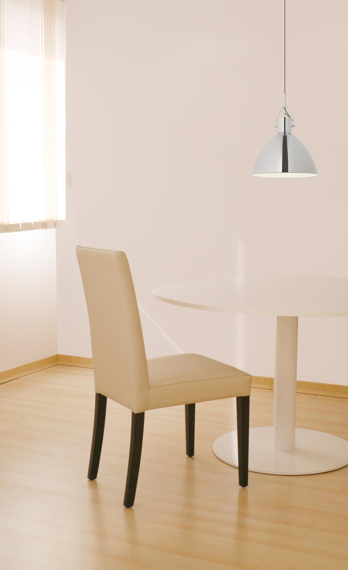 Sillas y sillones para zonas comunes de residencias