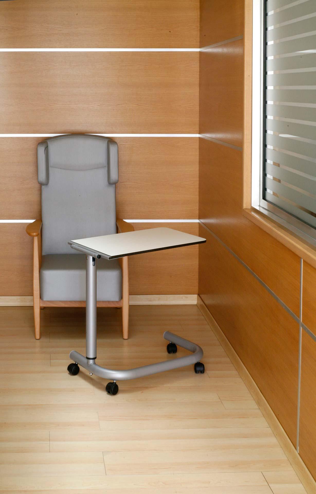 Mesa auxiliar para personas mayores de SENIORCARE