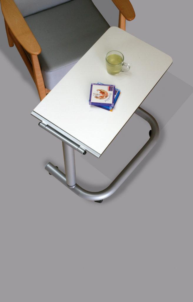 Mesa auxiliar para personas mayores elevable y abatible